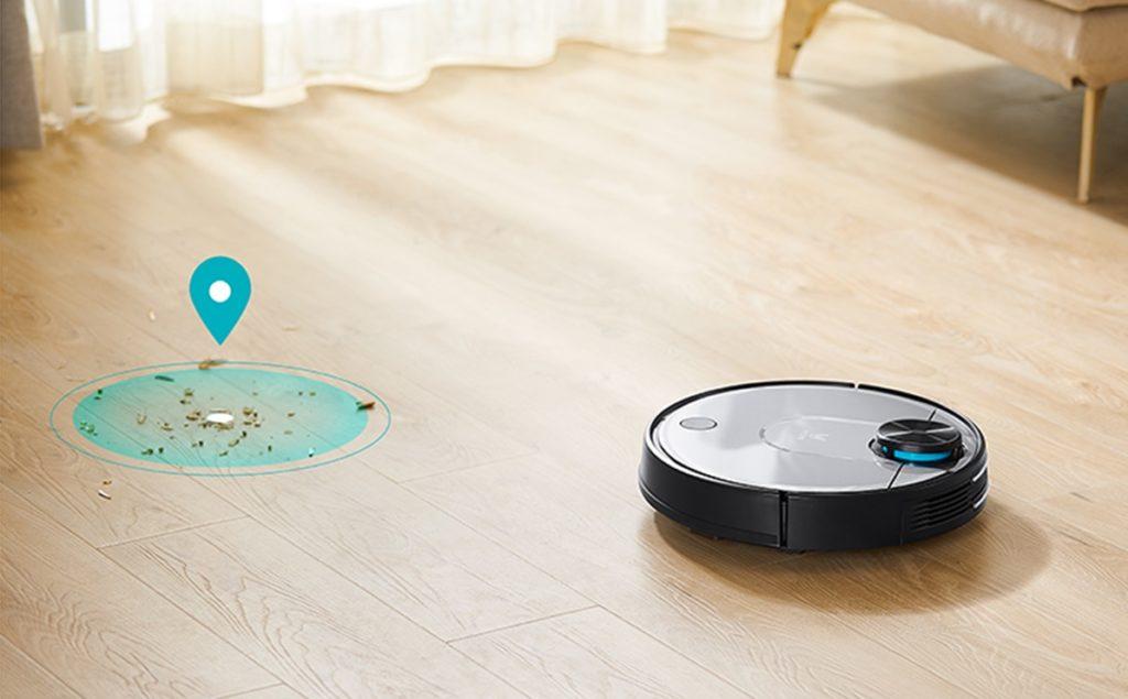 робот пылесос крутится на месте